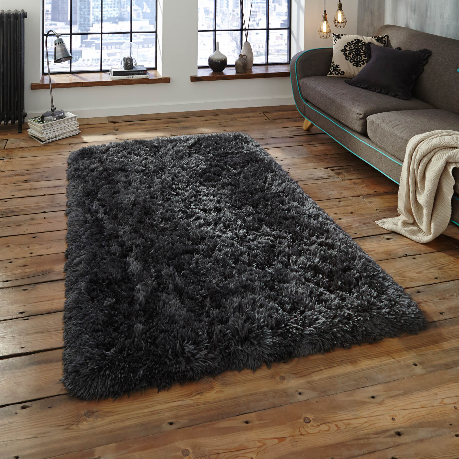 Polar Pl95 Shaggy Rugs In Charcoal Free Uk Delivery