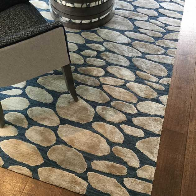 Pebbles rugs in Woad by William Yeoward