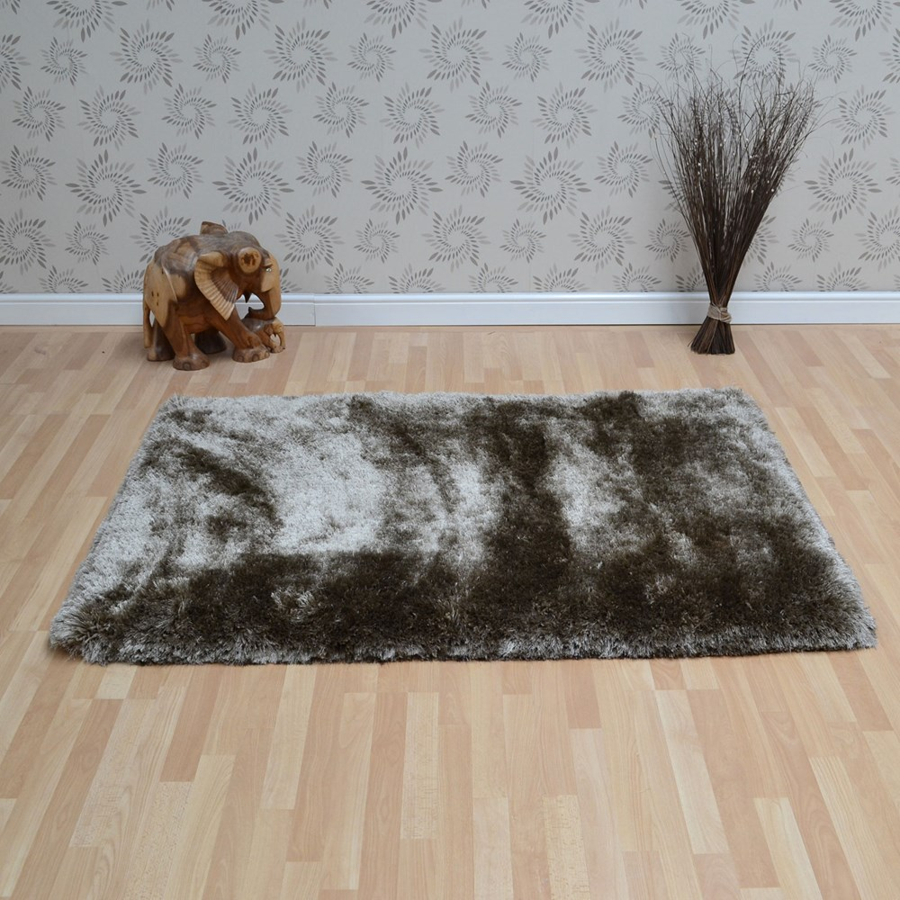 Plush Shaggy Rugs In Taupe