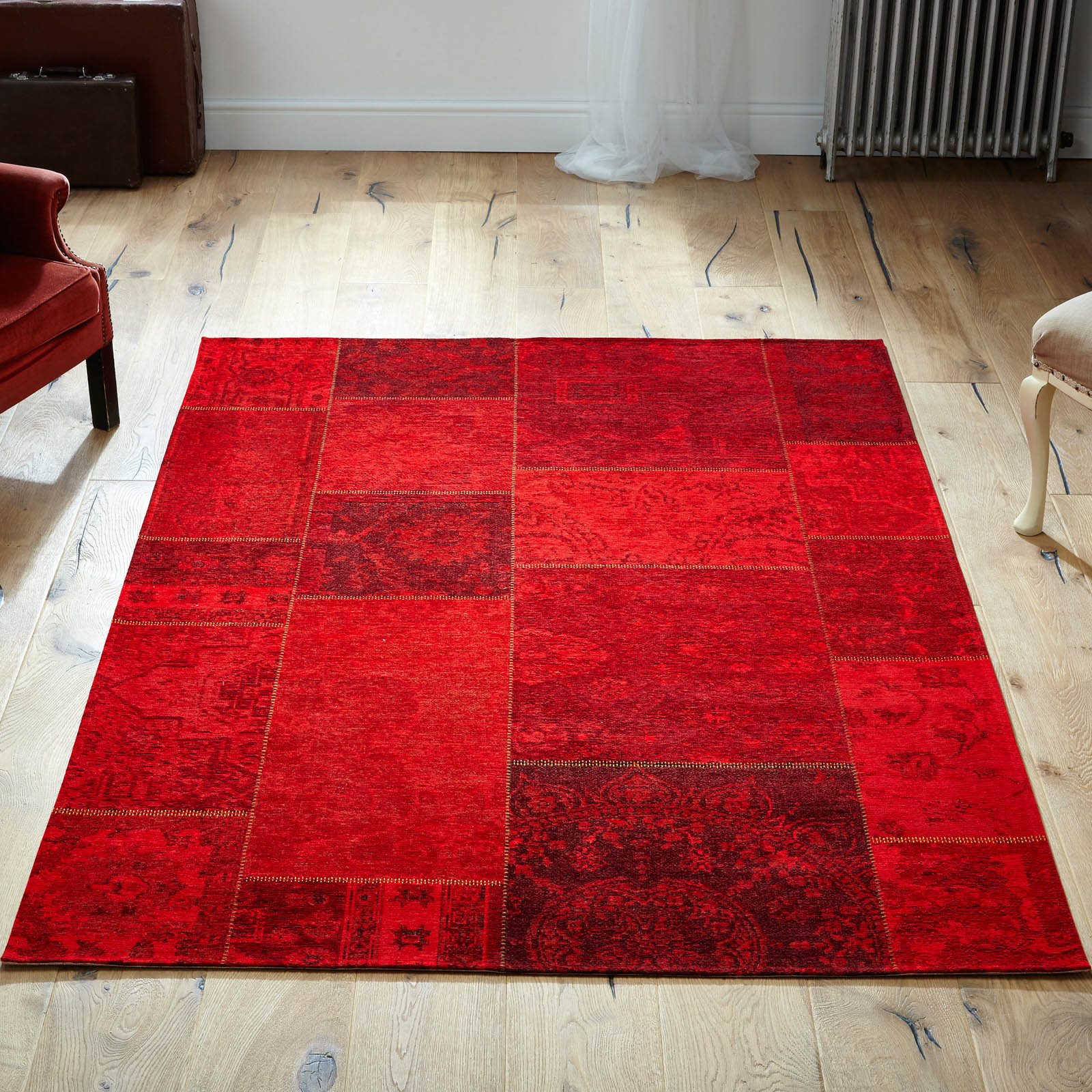 Renaissance Rugs 25 R in Red