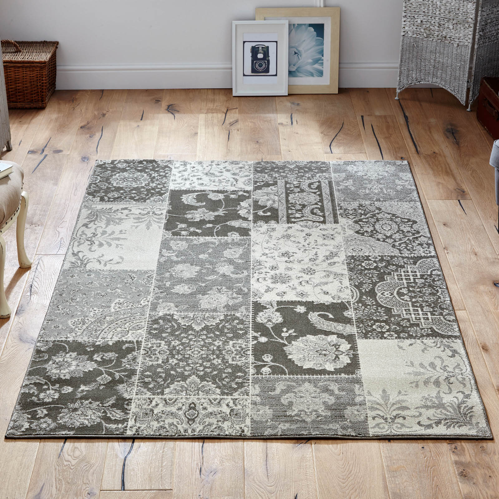 Richmond Rug 1338Y in Cream and Grey