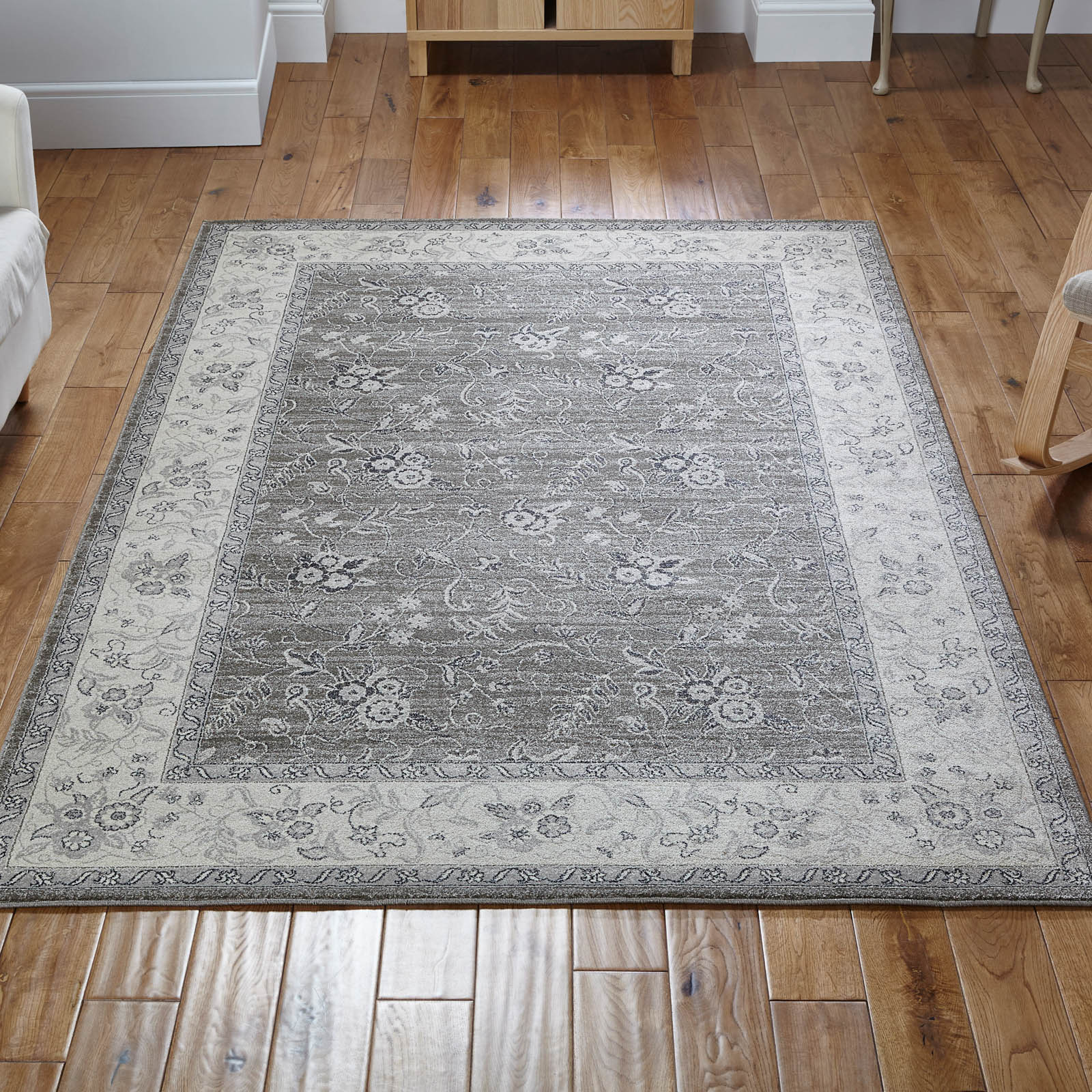 Richmond Rug 601Q in Grey and Beige