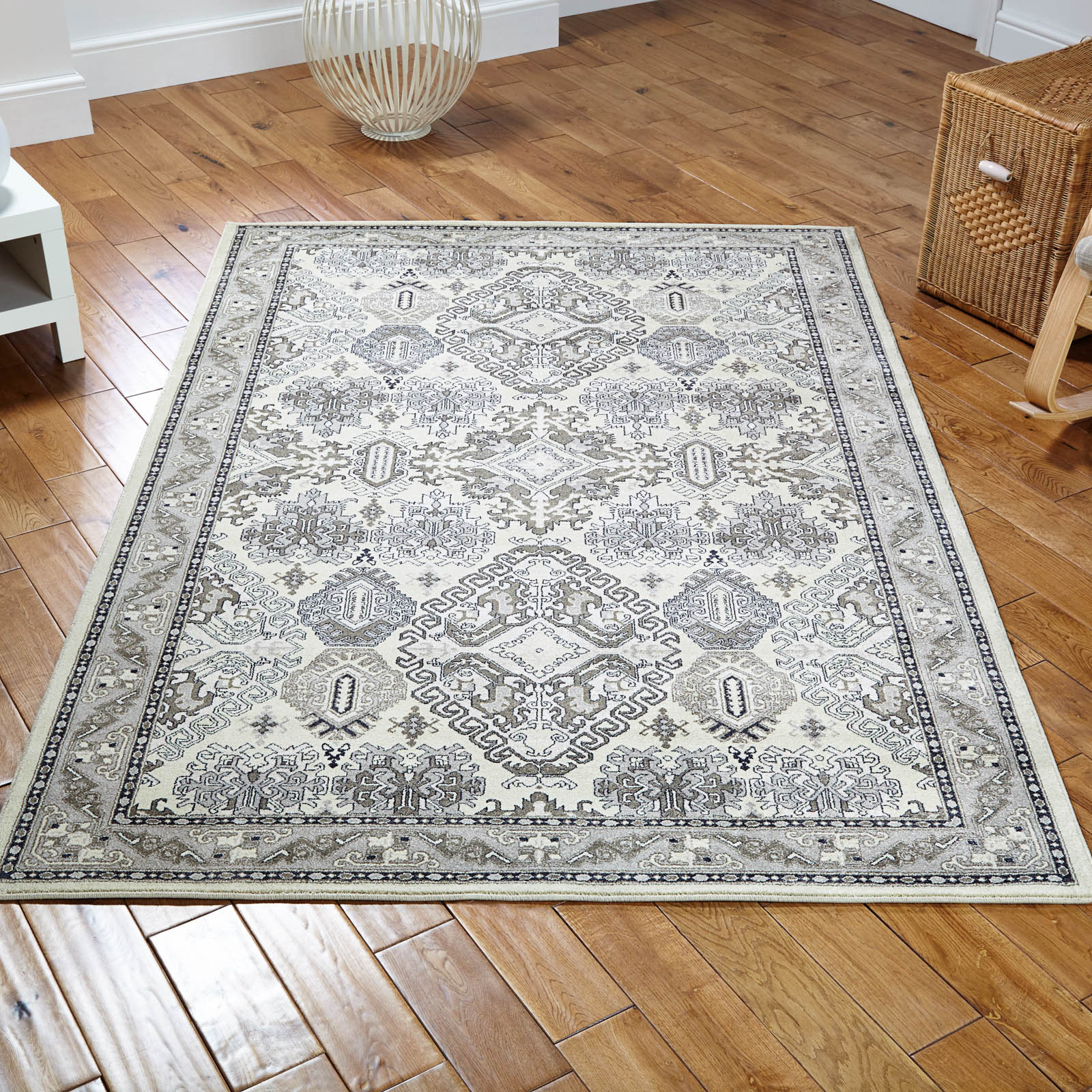 Richmond Rug 70W in Cream and Grey