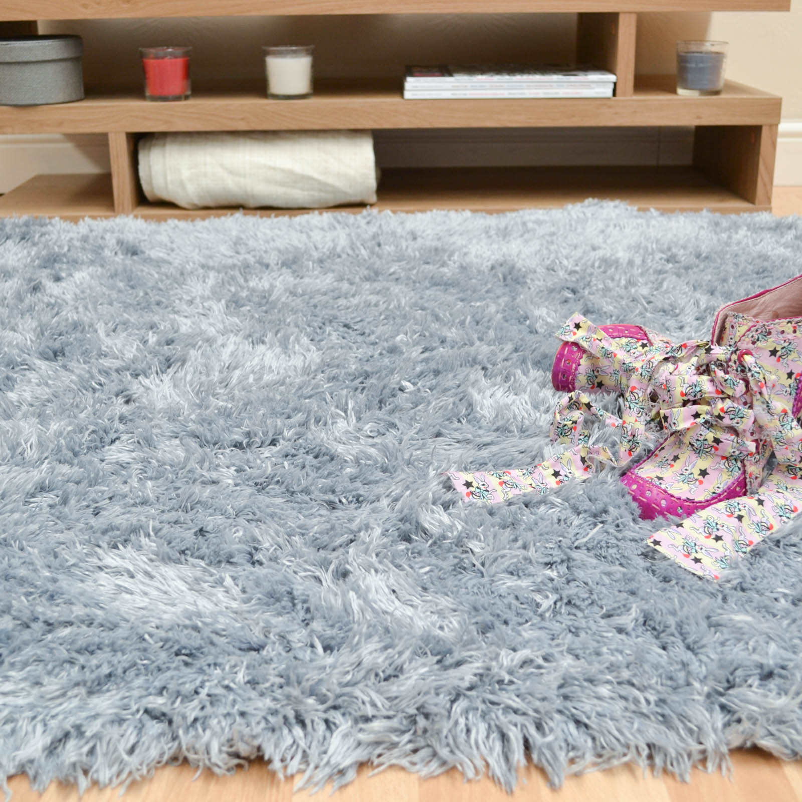 Snuggles Rugs SNU04 in Ice Blue