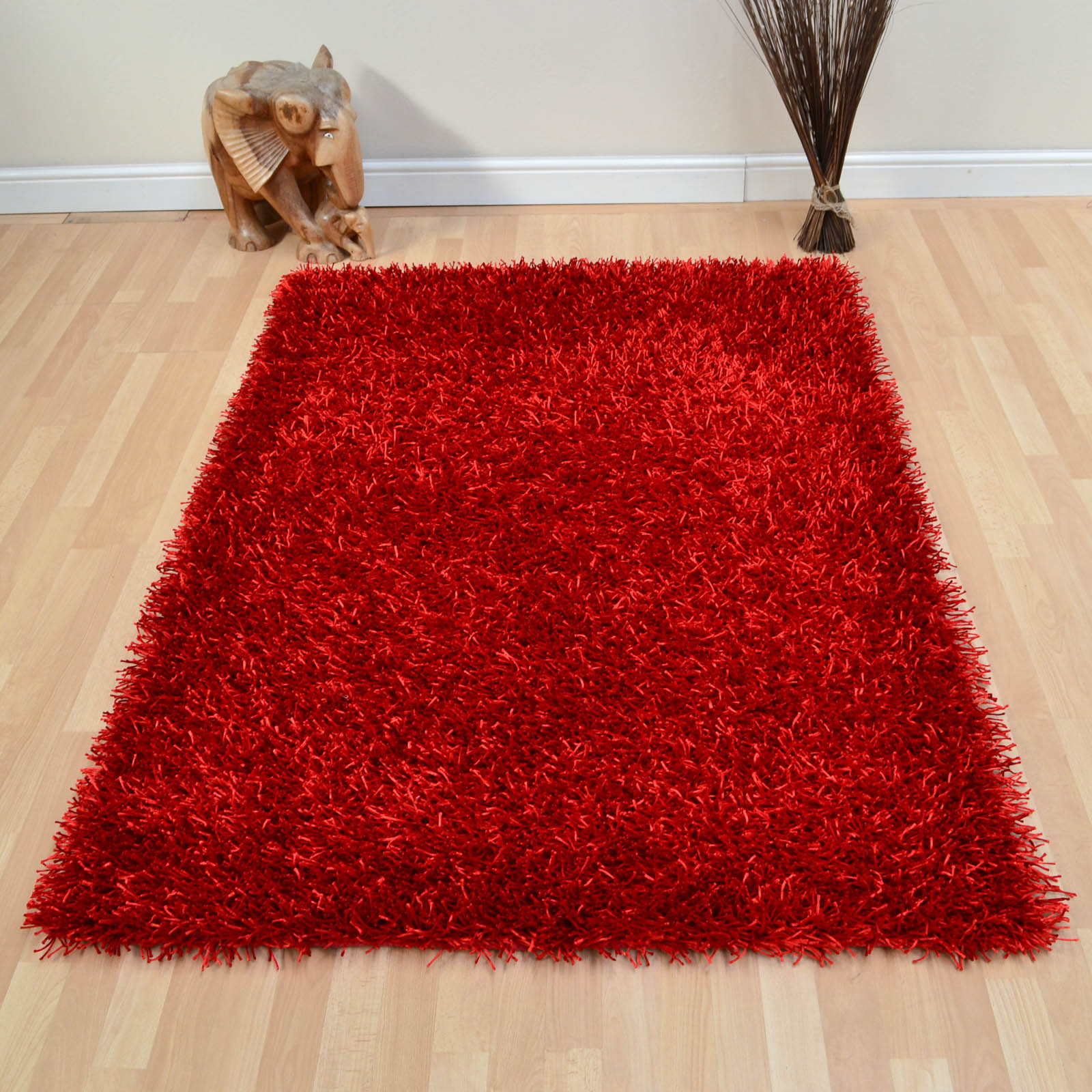 SPARKLE RUGS IN RUBY RED