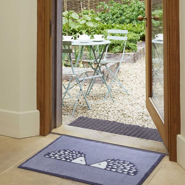 Spike Kissing Doormat - Grey
