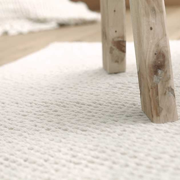 Smoothy Rugs 0011 02 by Down To Earth in White