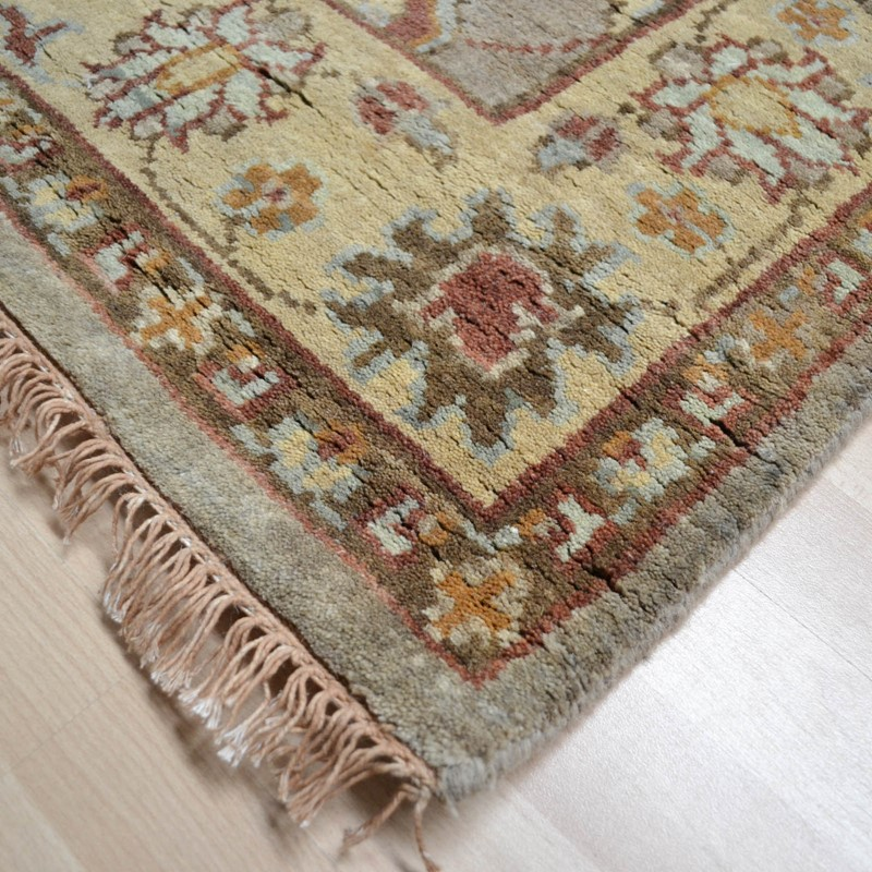 Hand Knotted Pure Wool In Beige