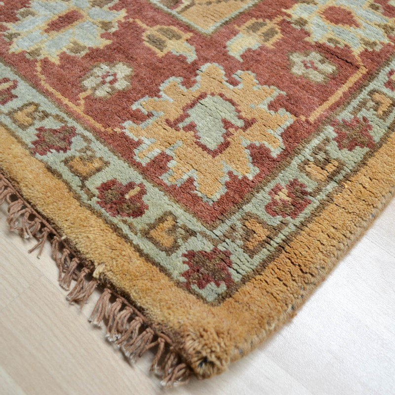 Hand Tufted Agra Red Gold Wool Rug 8 Round: Hand Knotted Pure Wool In Gold Rust