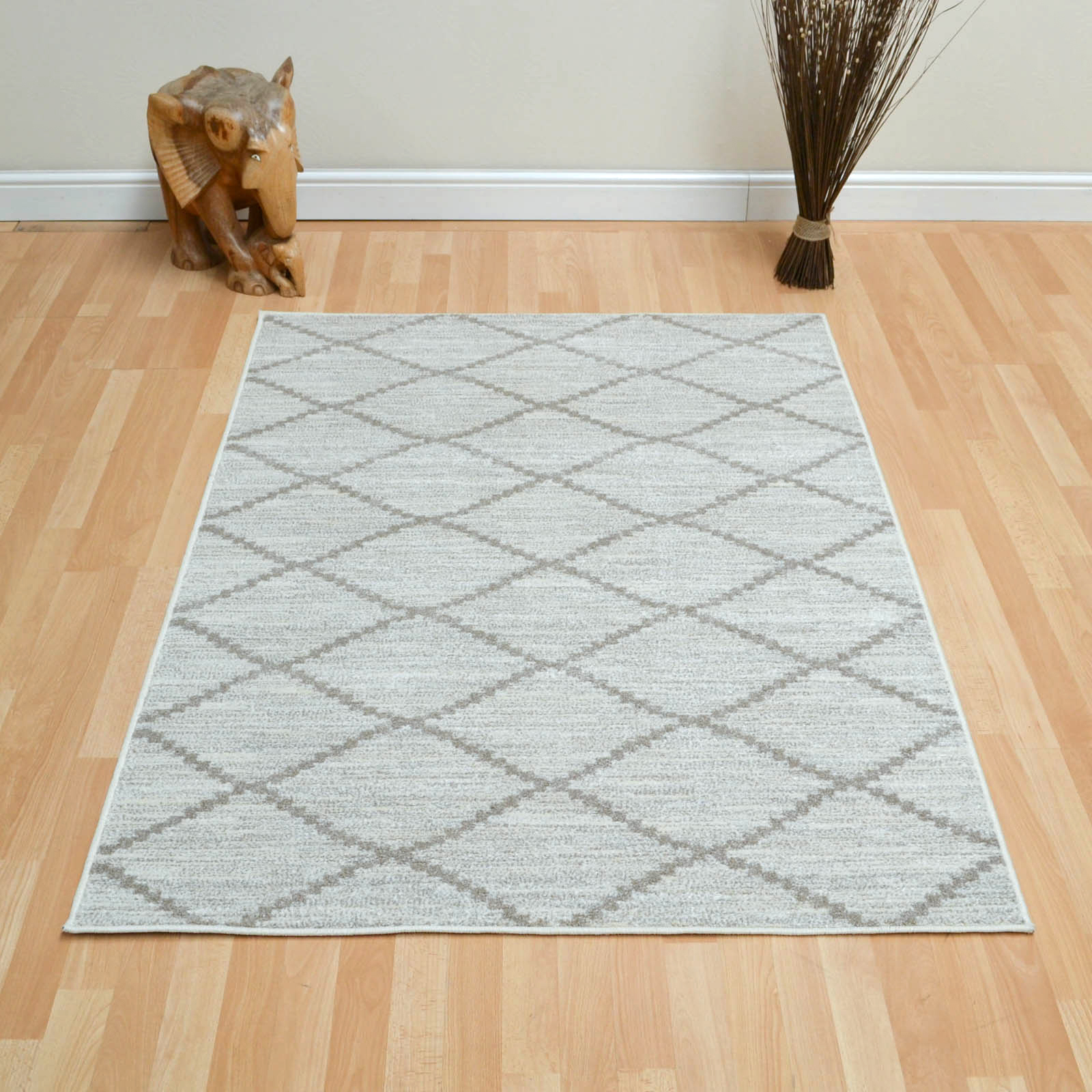 Tibet Diamond Rugs in Taupe