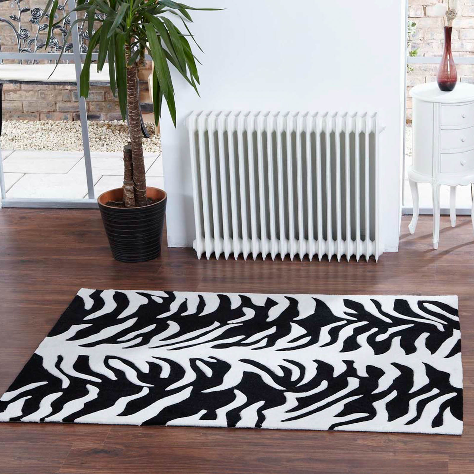 Aspire Tigre Rugs in Cream Black