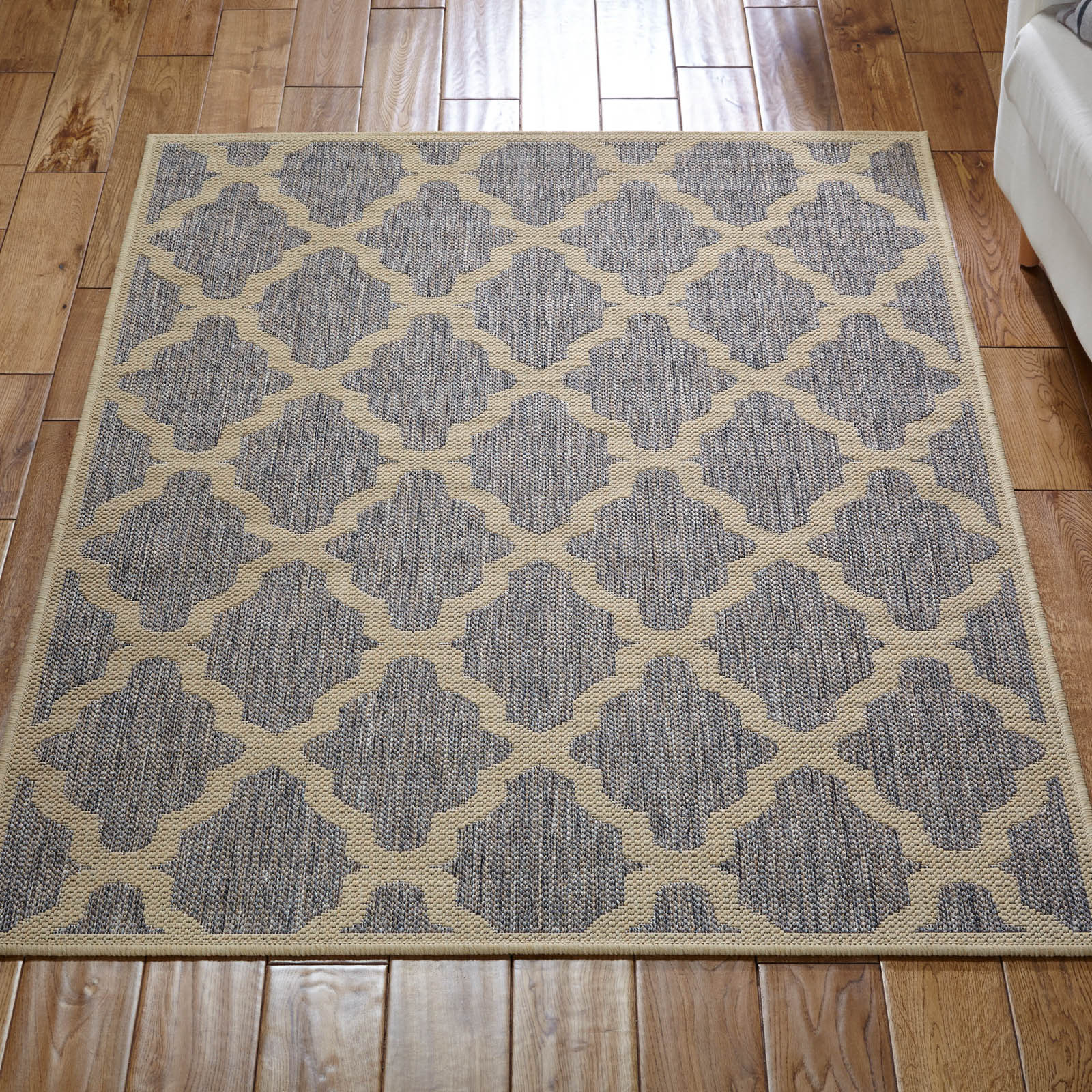 Trellis Rug In Grey