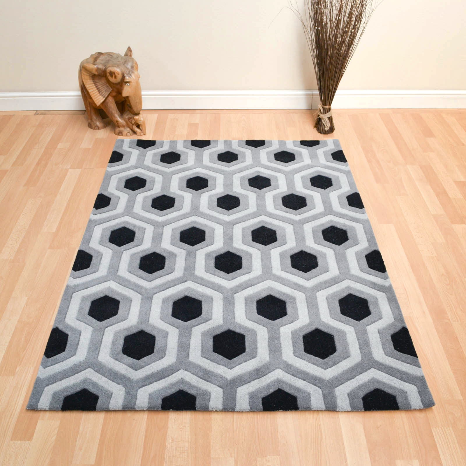 Venus Rugs in Black and Grey