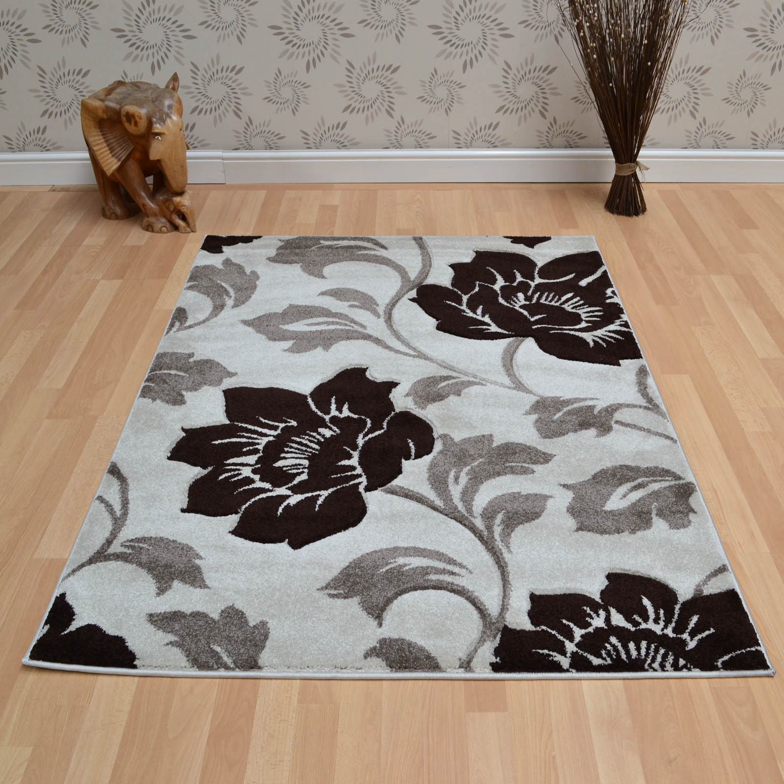 Vogue Floral Rugs VG31 in Beige and Brown