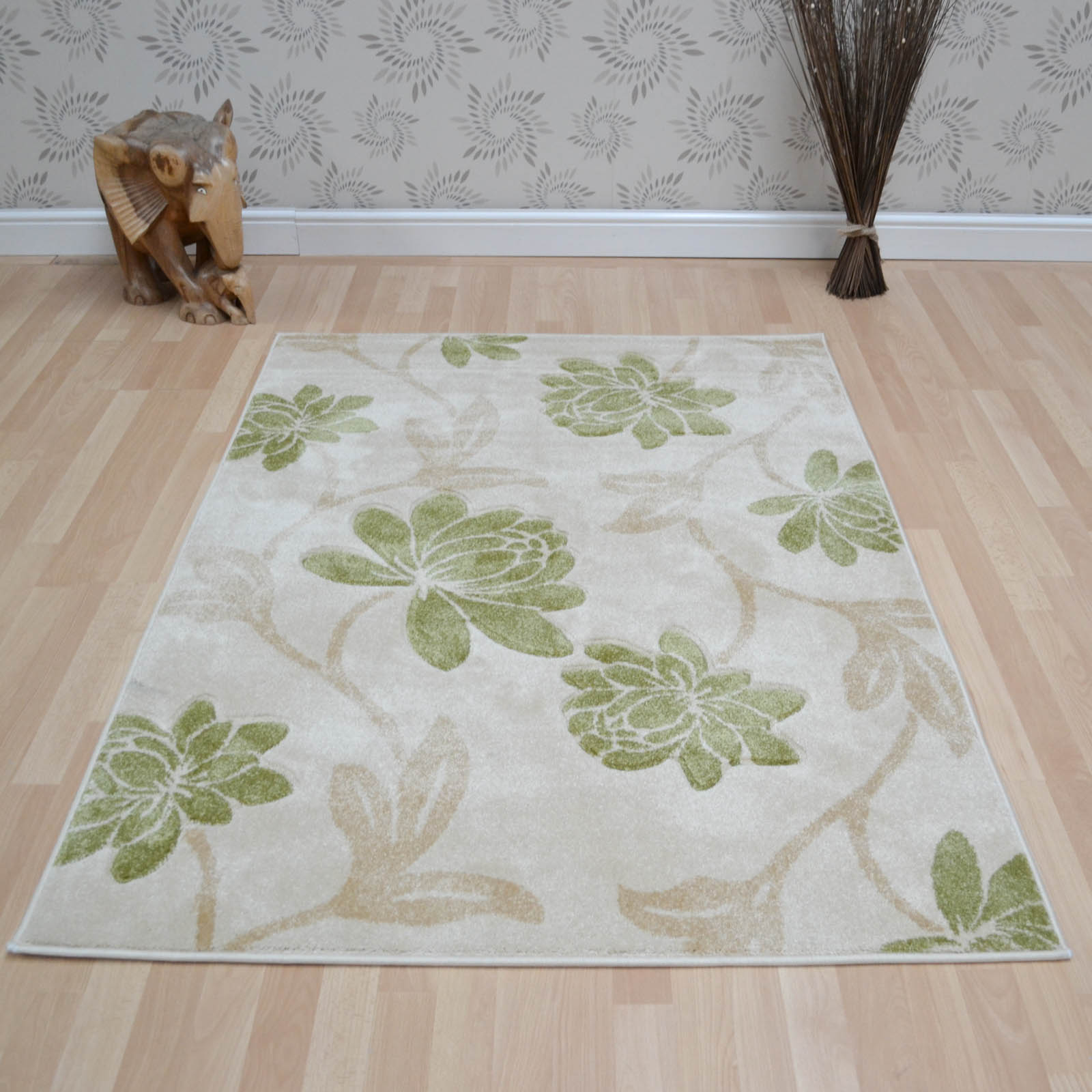 Vogue Floral Rugs VG42 in Cream and Green
